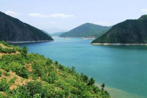 אגם קומאן